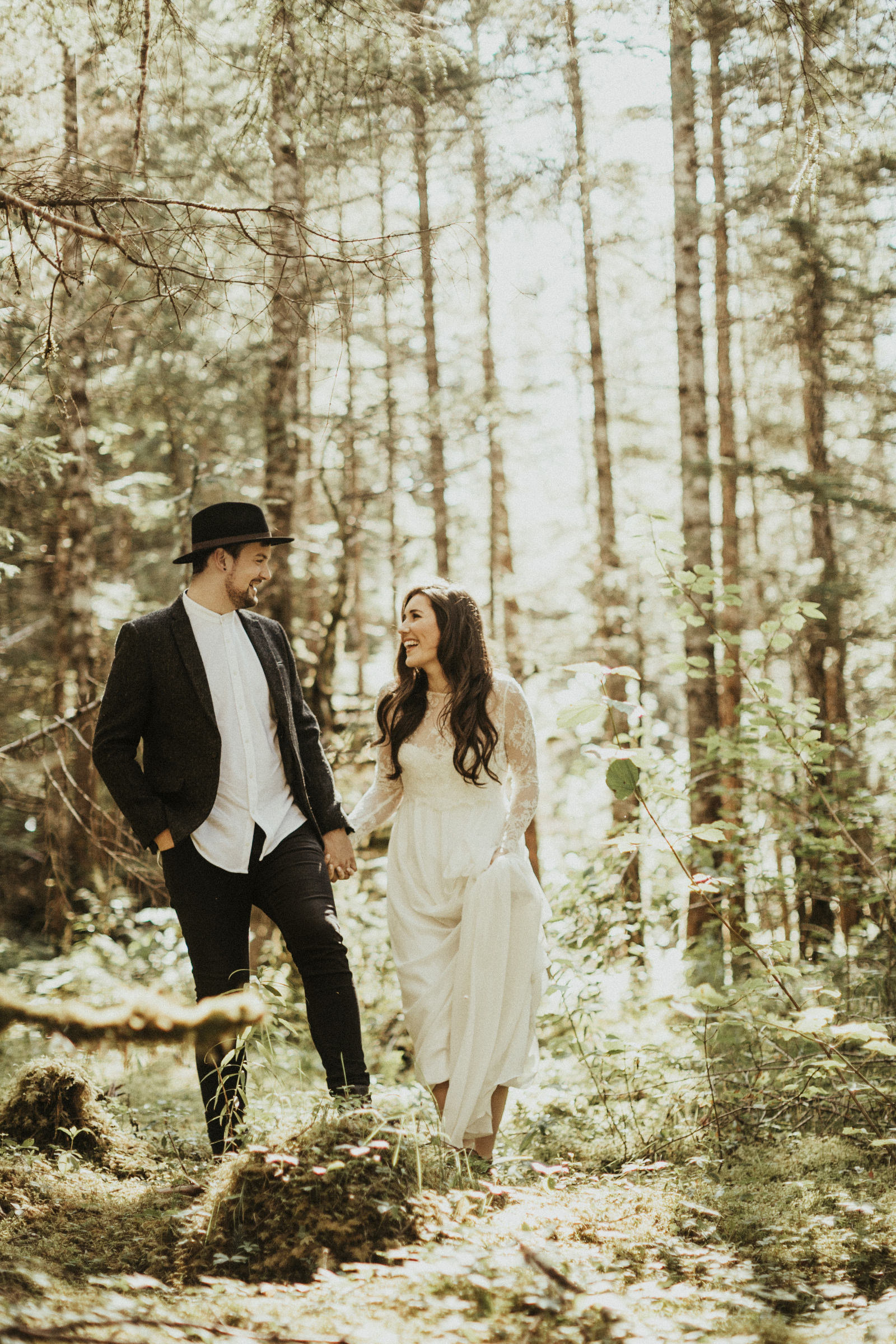 athena-and-camron-alaska-elopement-wedding-inspiration-india-earl-athena-grace-glacier-lagoon-wedding29