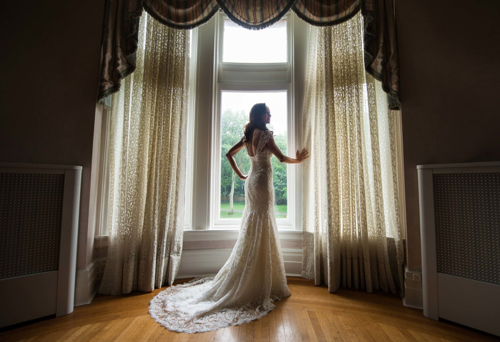 Bride getting ready at Coindre Hall