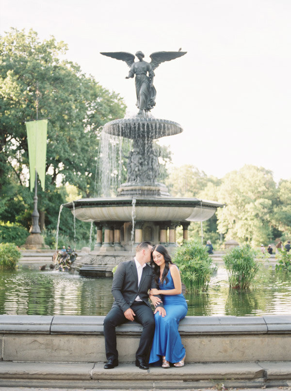 Chic and stylish engagement session in Central Park NYC