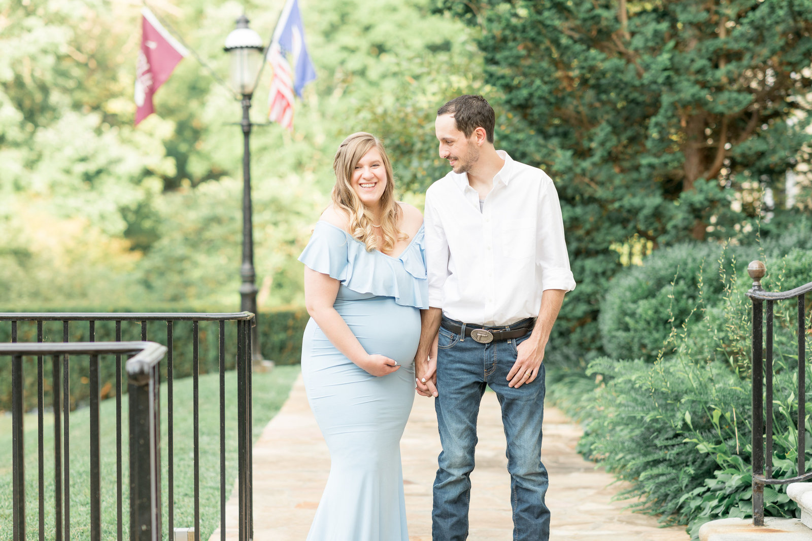 kimberly-ben-summer-maternity-photo-session-at-airlie-warrenton-va-010