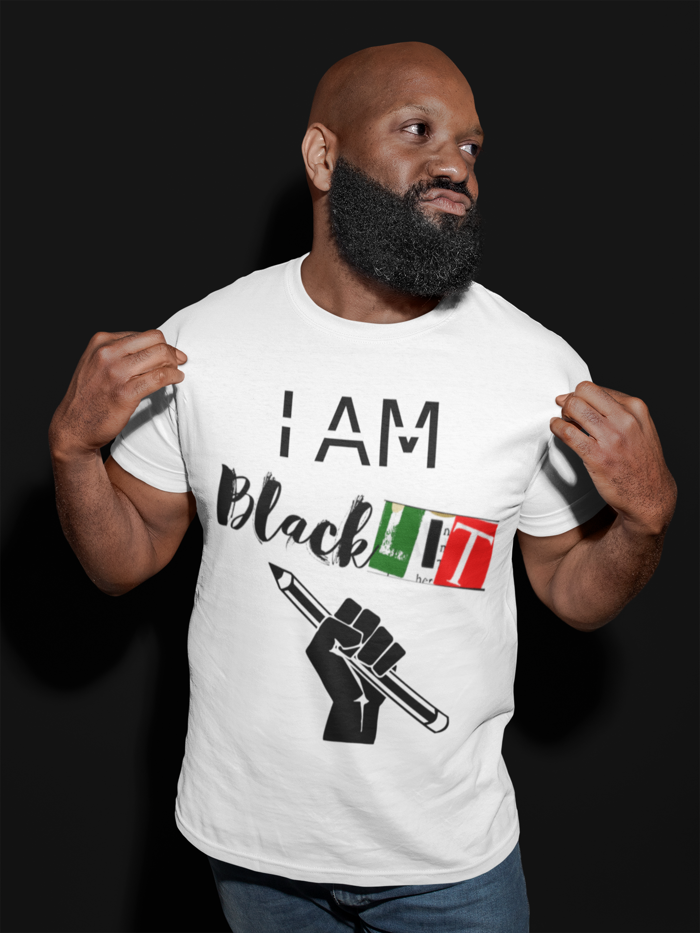 mockup-of-a-bearded-man-showing-off-his-t-shirt-21534