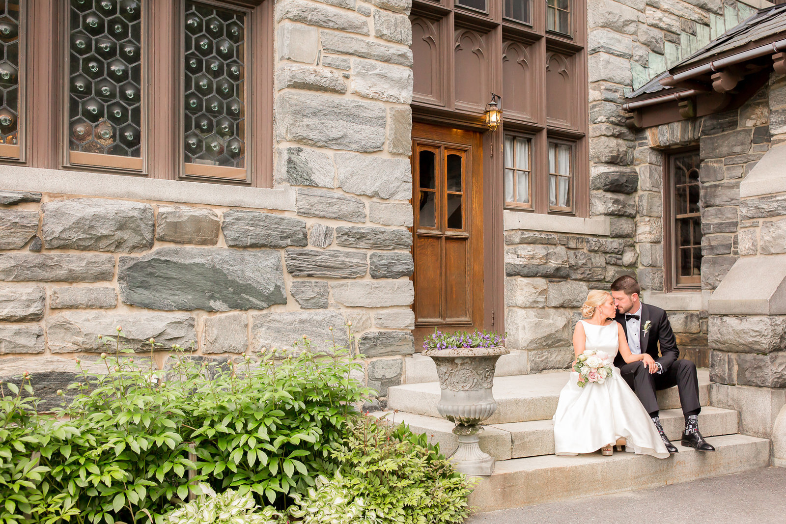 Romantic classic black tie wedding in Vermont