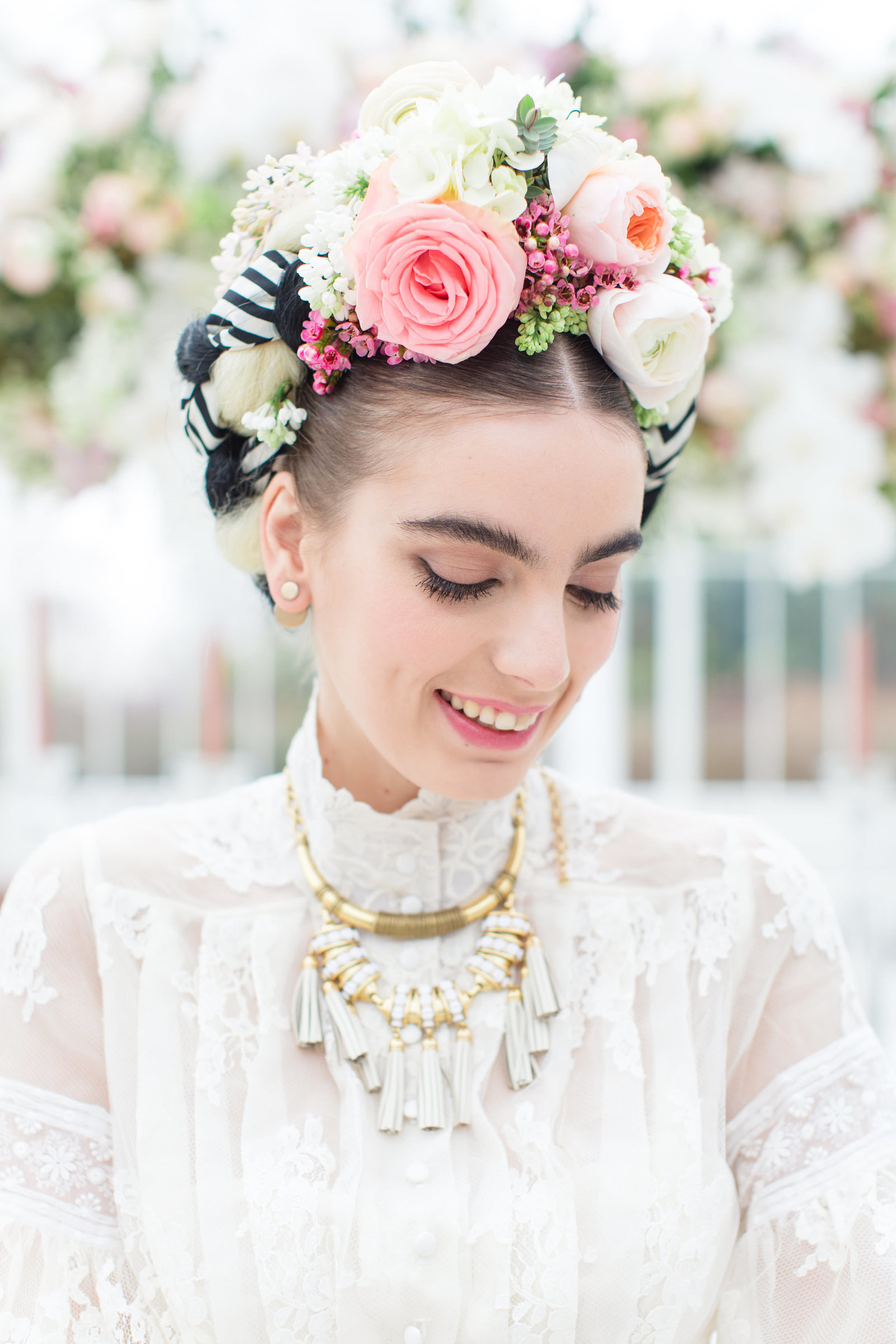 Frida-Kahlo-inspired-Edith-lace-wedding-dress-JoanneFlemingDesign-RobertaFacchiniPhoto (16)