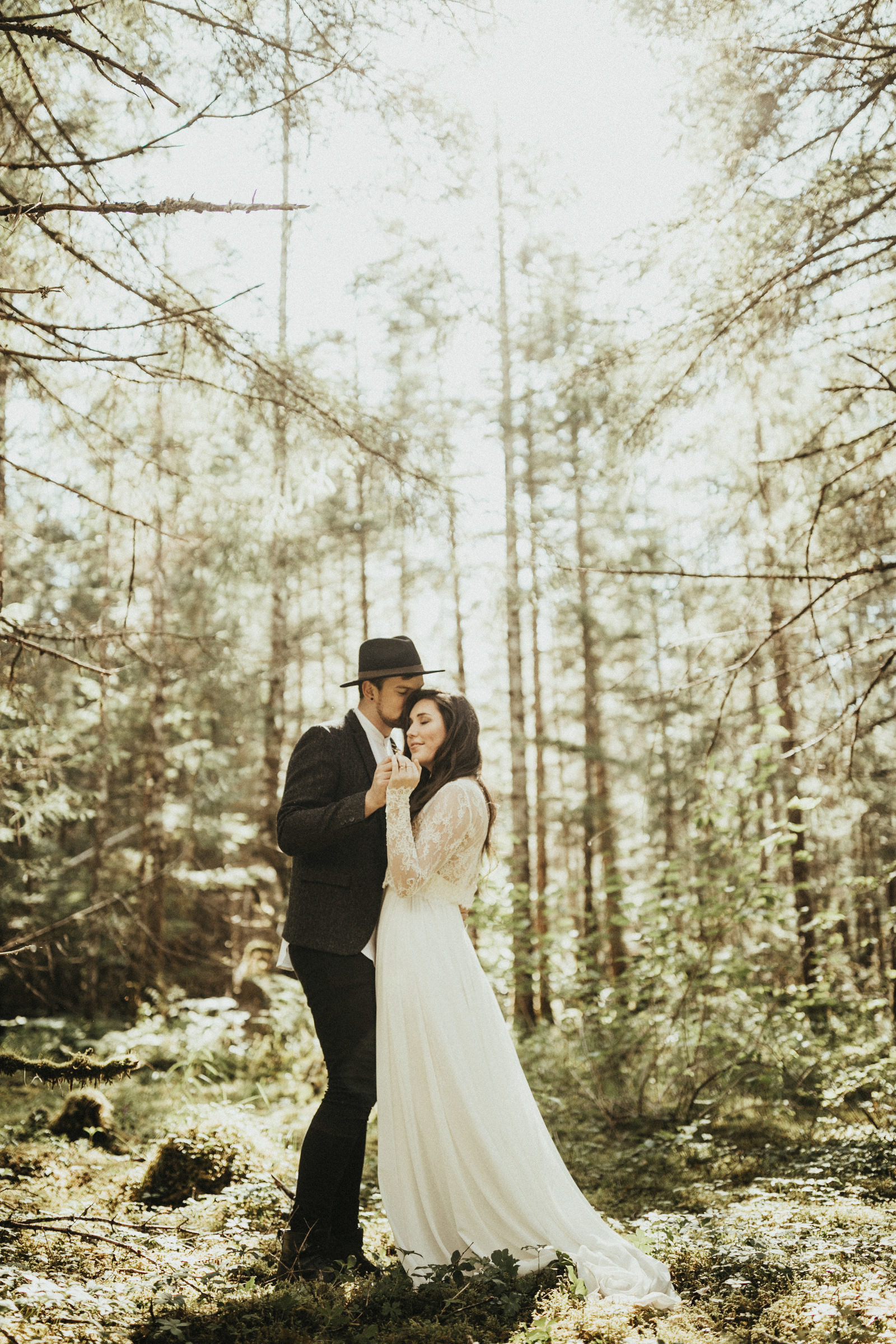 athena-and-camron-alaska-elopement-wedding-inspiration-india-earl-athena-grace-glacier-lagoon-wedding33