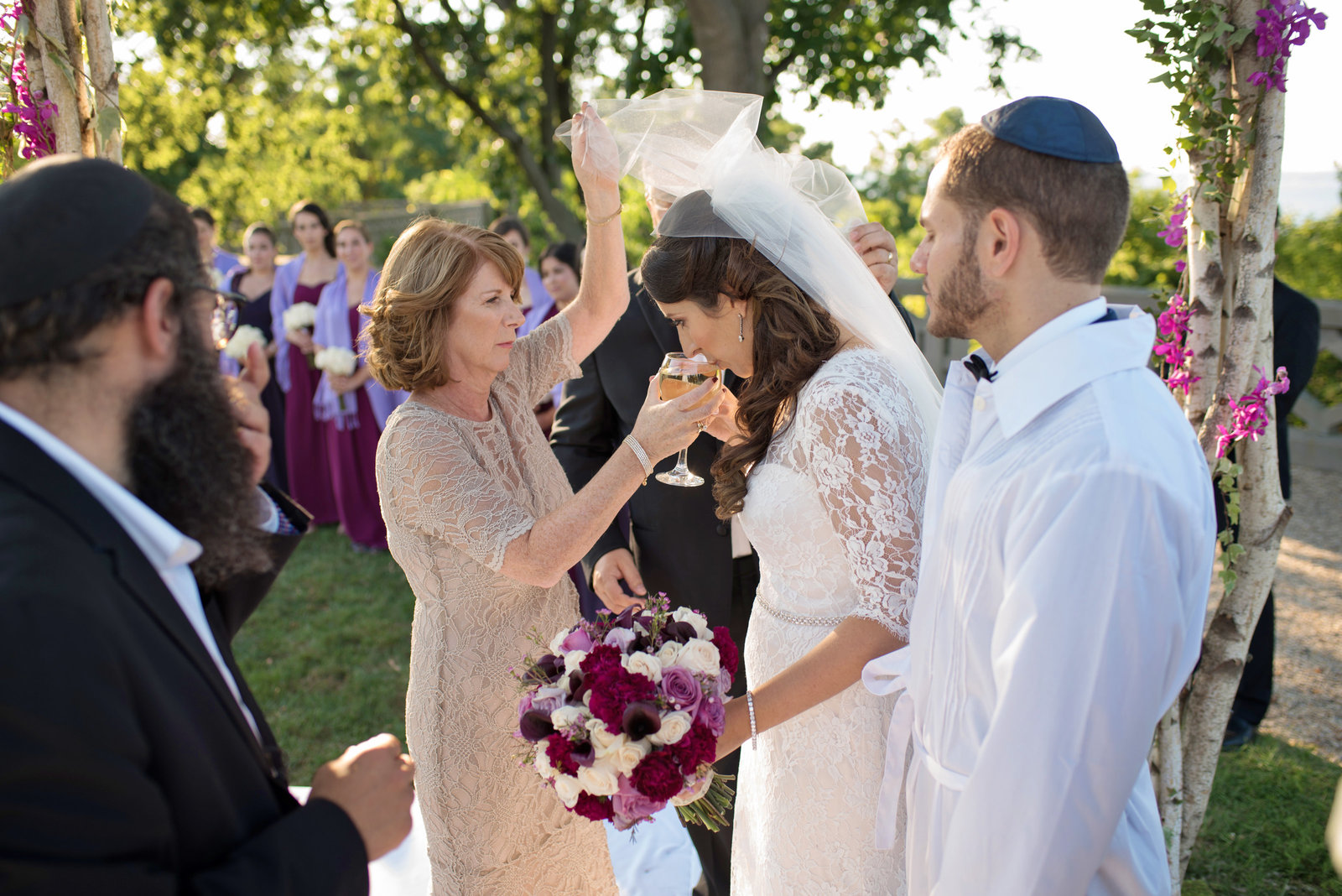 jewish wedding drinking from the cup