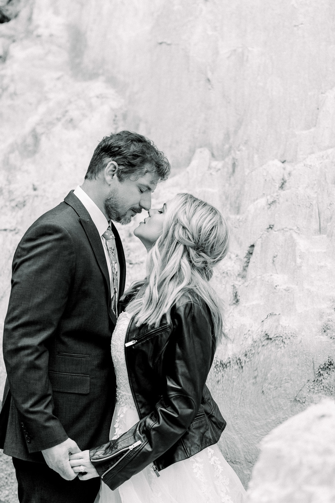 providence-canyon-wedding-elopement-adventure-hiking-georgia-arizona-7