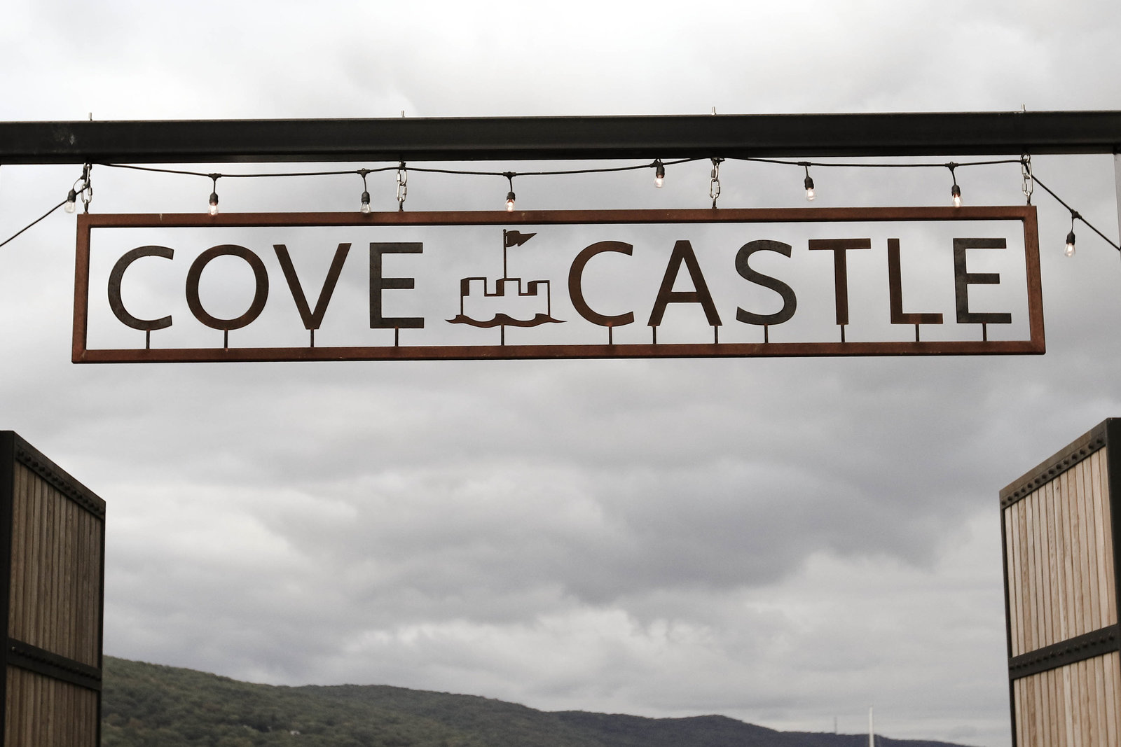cove-castle-wedding-photos-eveliophoto-110