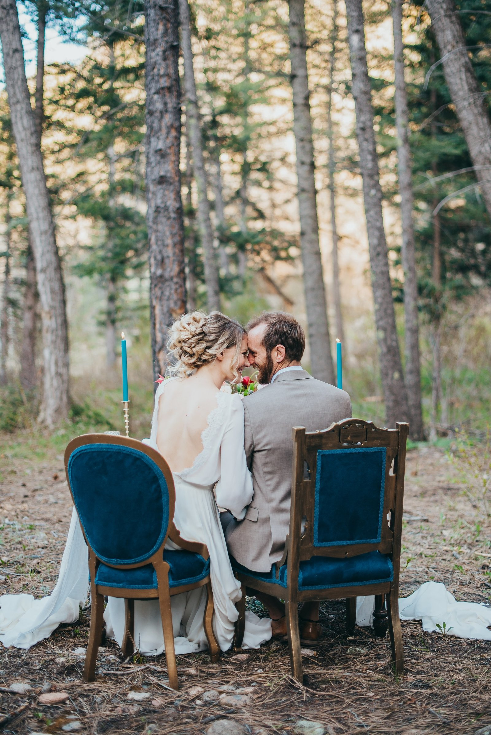 Mountain-Elopement-Sweetheart-Table