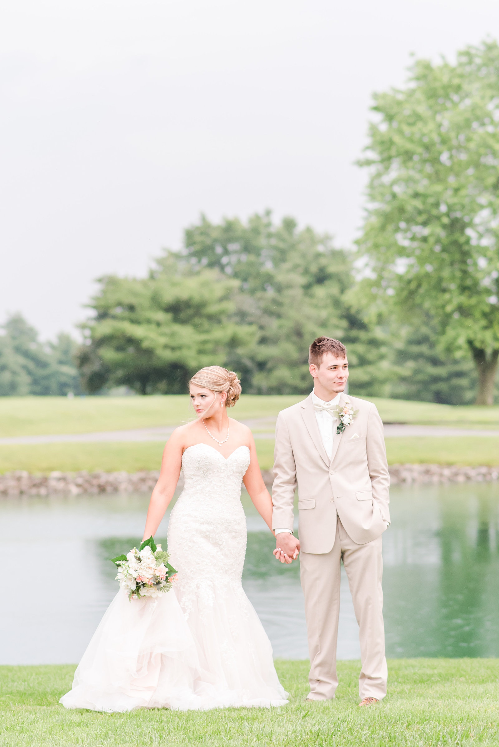 Blush and Tan Valle Vista Country Club Wedding