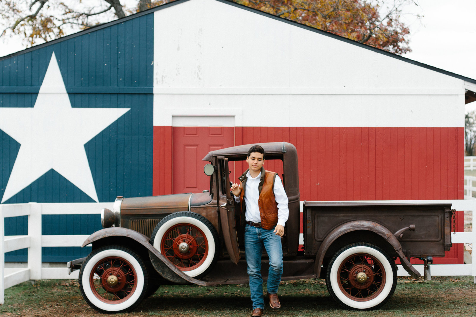 texas-rustic-truck-senior