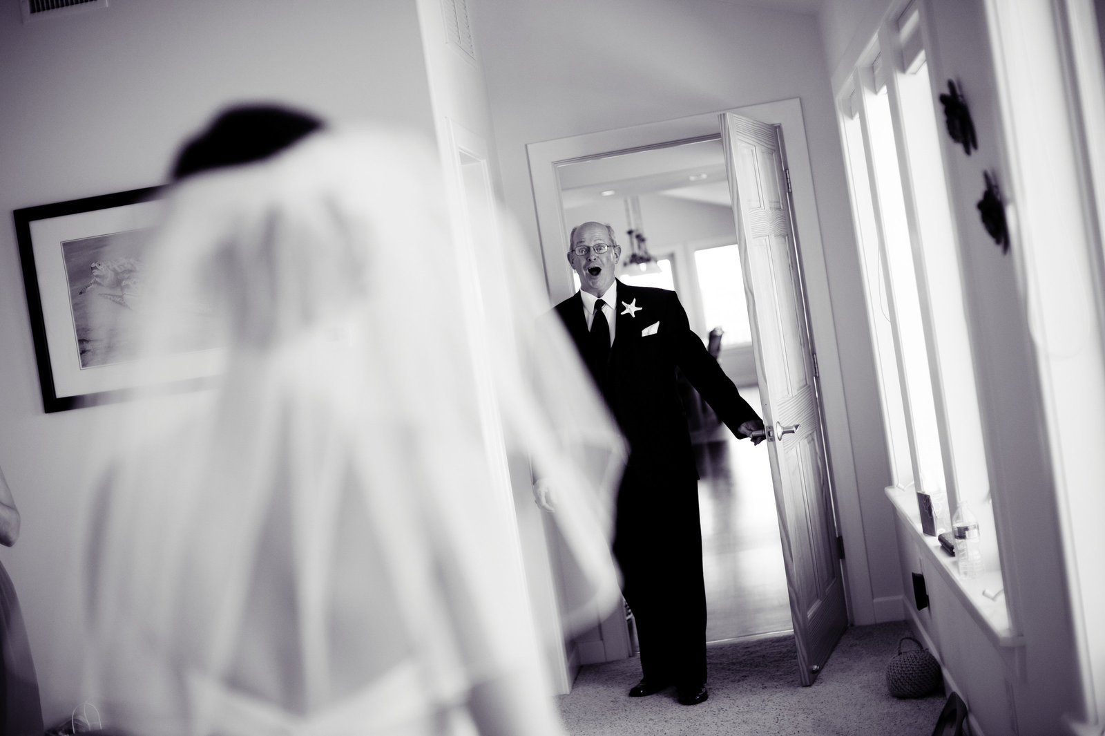 dad sees bride for the first time on wedding day