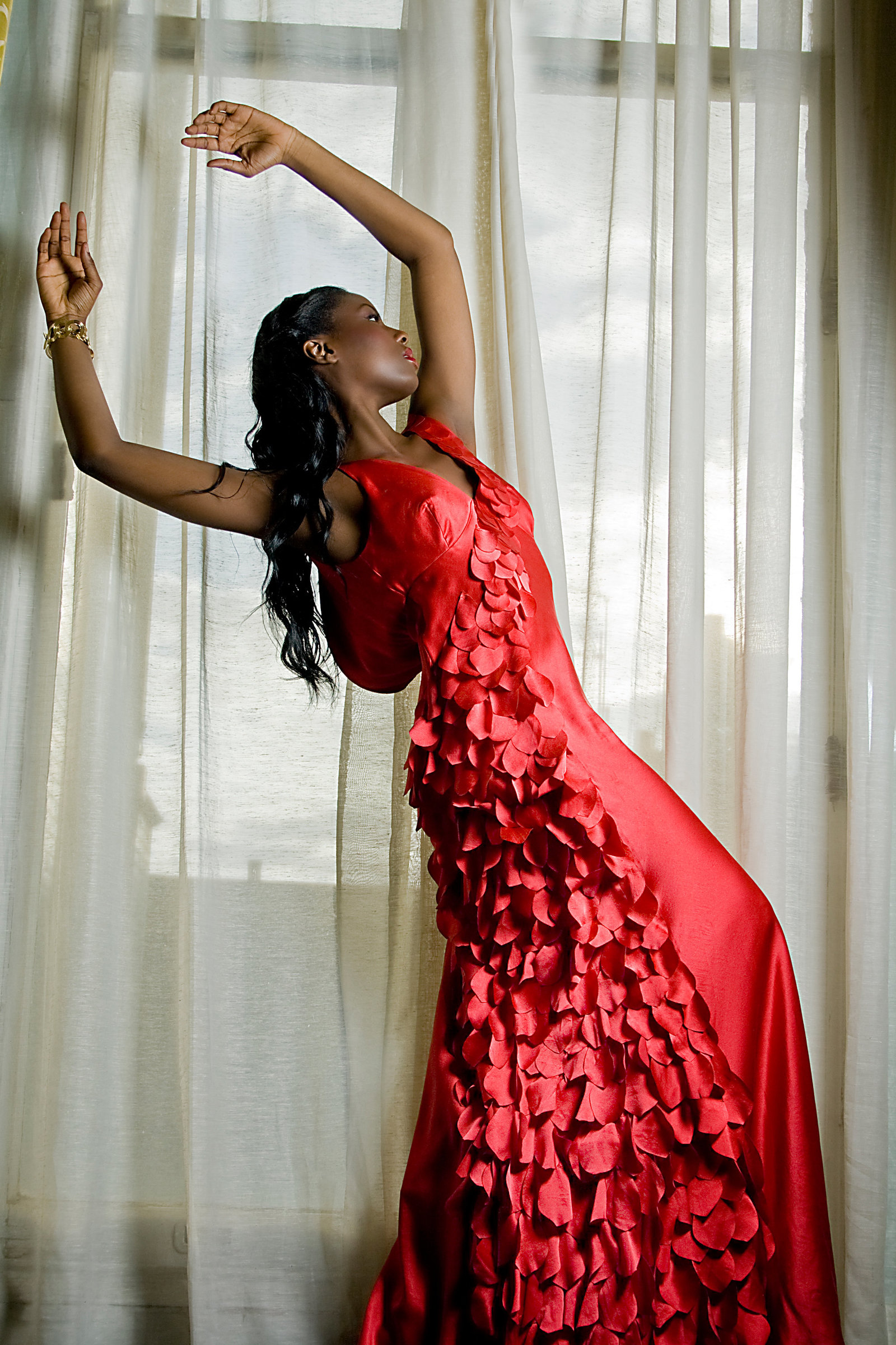 Scarlet_silk_satin_petal_dress_JoanneFlemingDesign_PicCristinaCarinhas