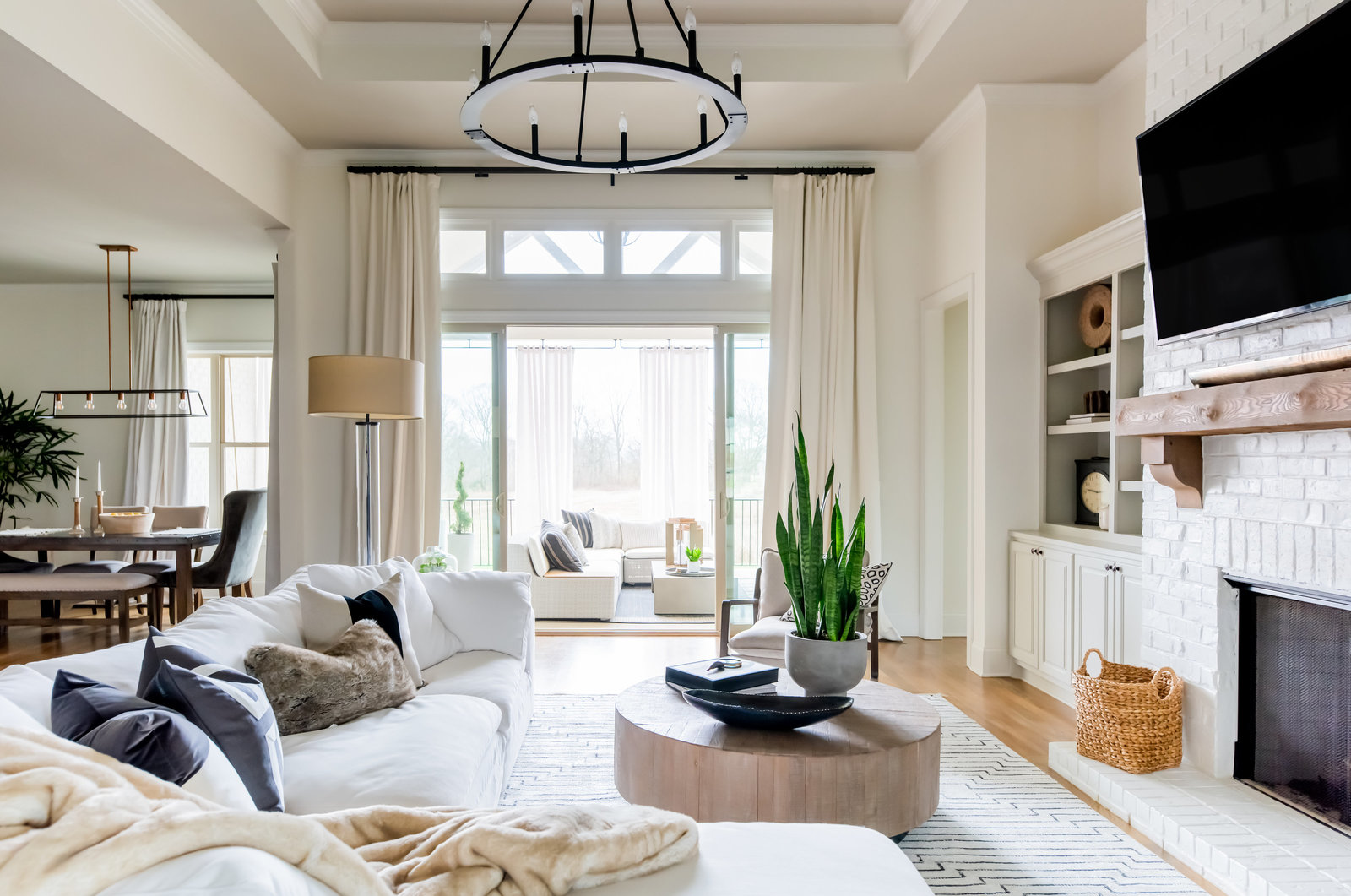 great room-modern-living room-white-onyxandalabaster