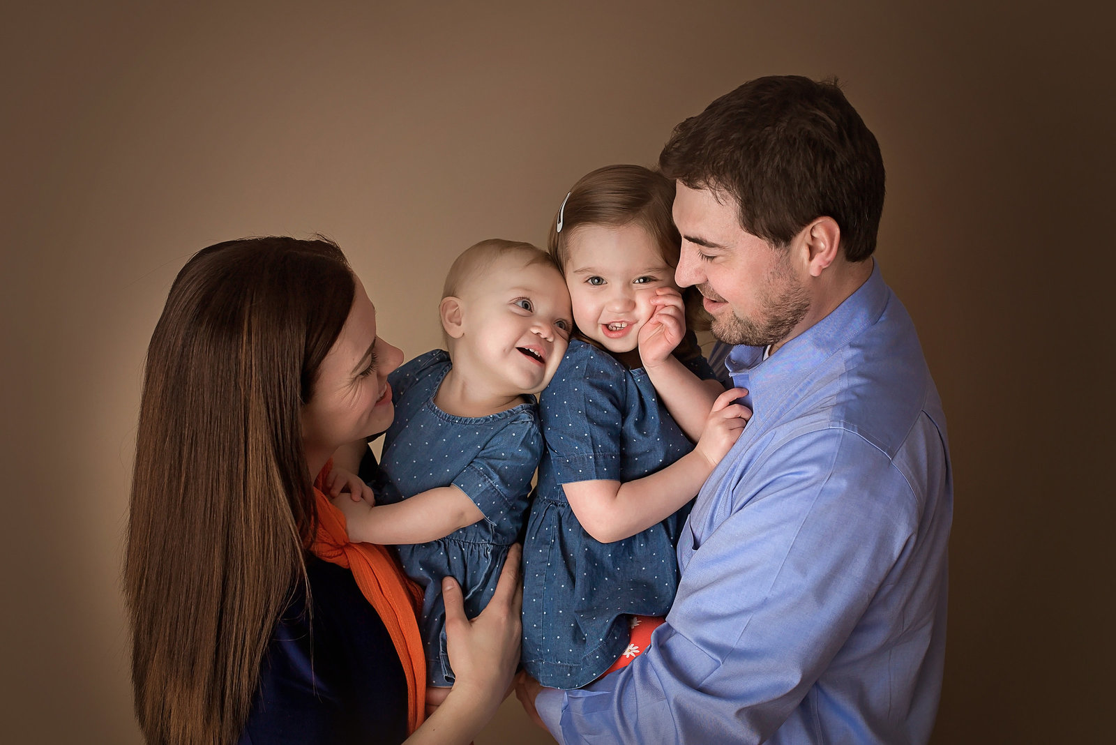 studio-family-photographer