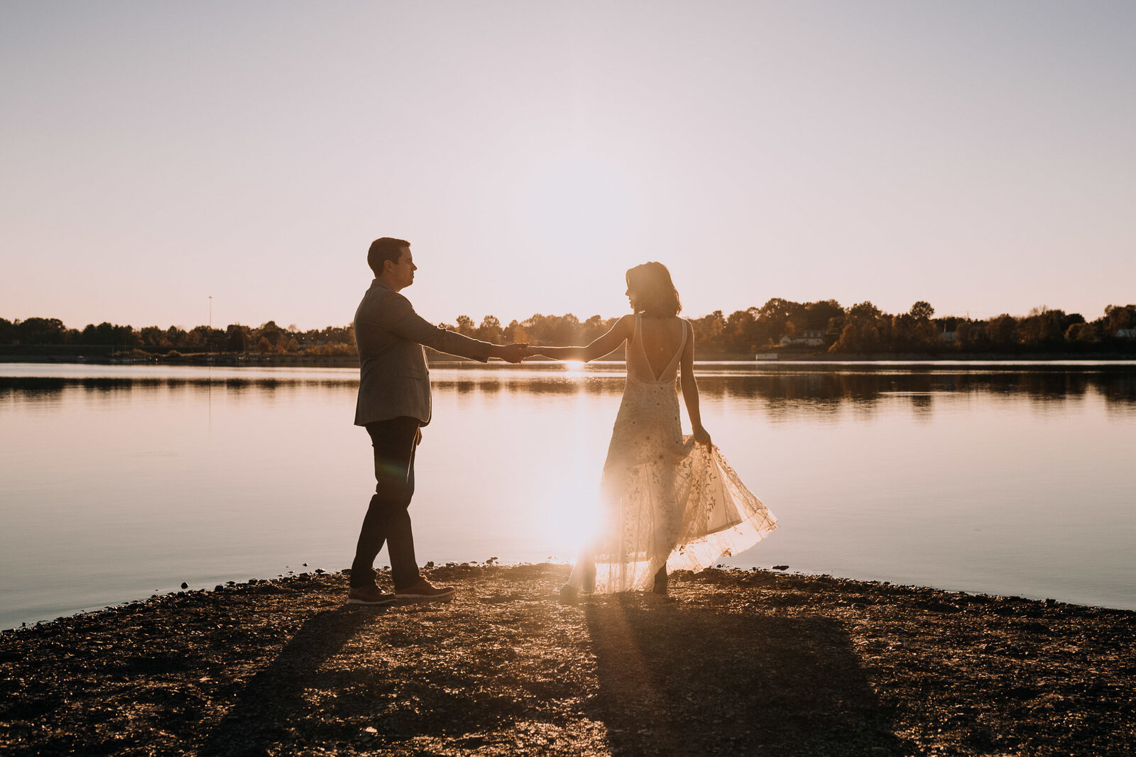 alexis-tyler-hoover-dam-reservoir-fall-columbus-ohio-engagement-photography-9
