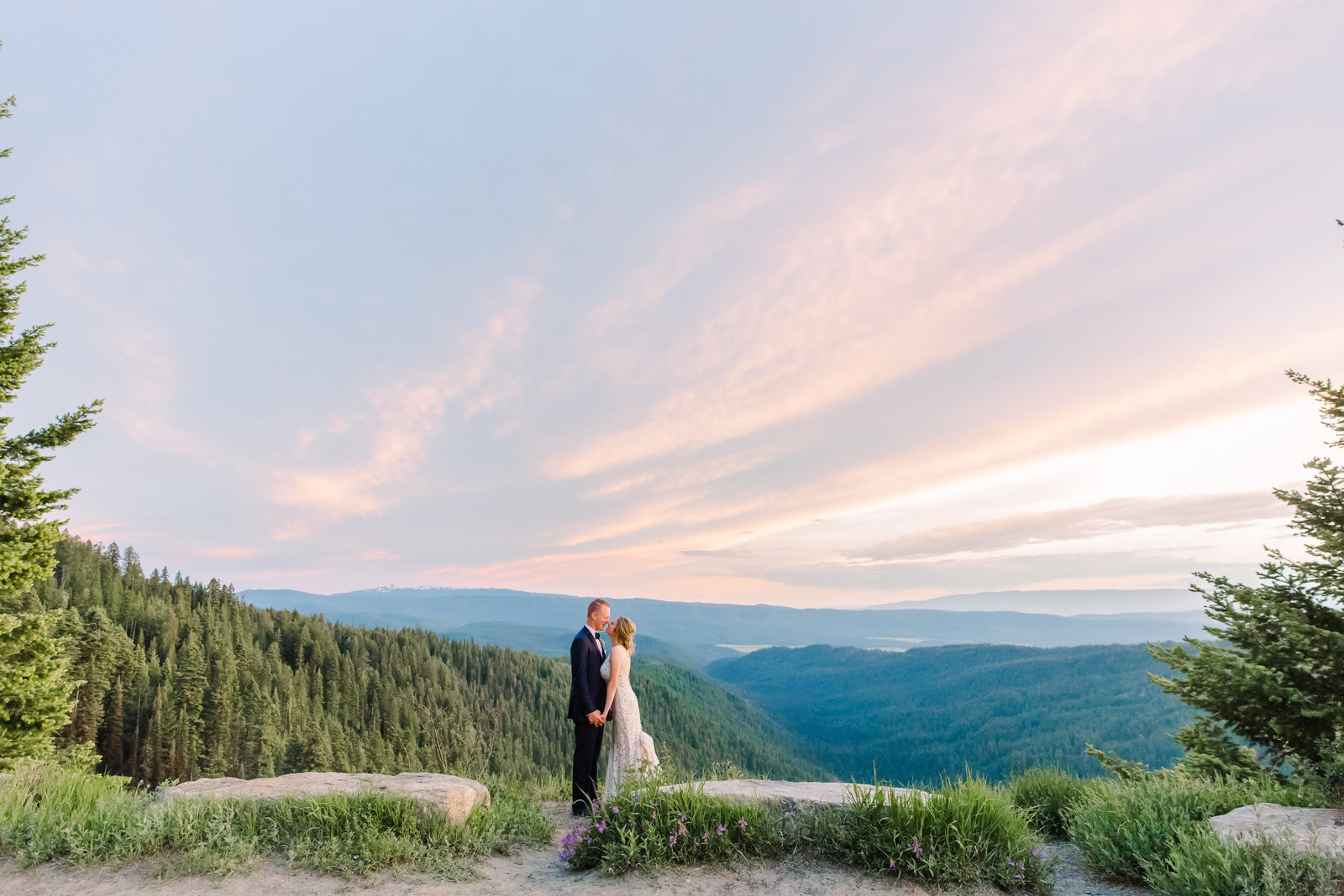 Sunset husband and wife pictures in the Idaho mountains.