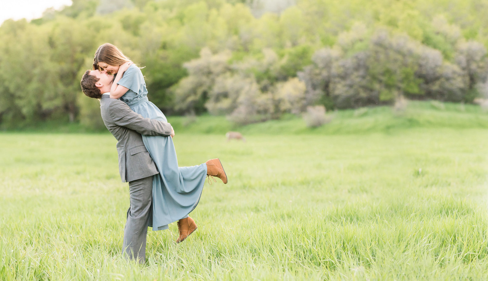 Utah Wedding Photographers - Jessie and Dallin Photography RE-011 COVER