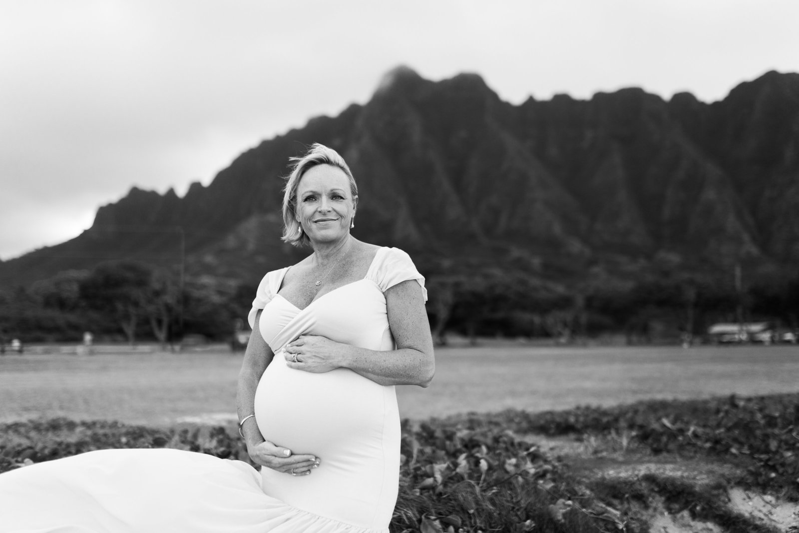 maternity Photoshoot Kualoa Beach Oahu Hawaii Brooke flanagan Photography-6