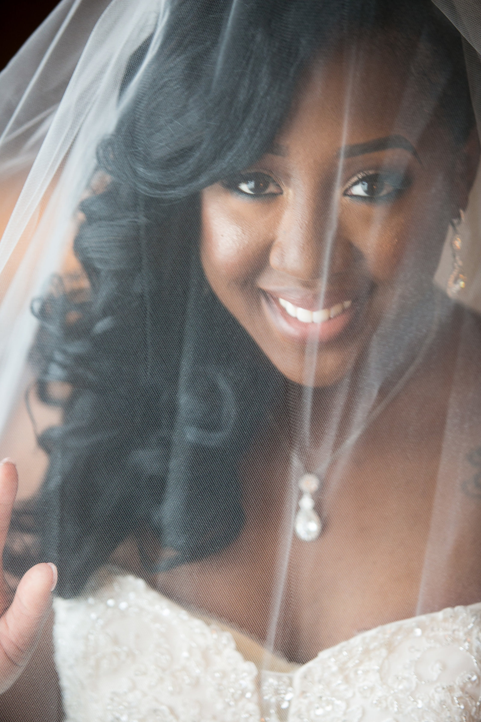 black bride beaded wedding dress with veil St Louis Pinxit Photo