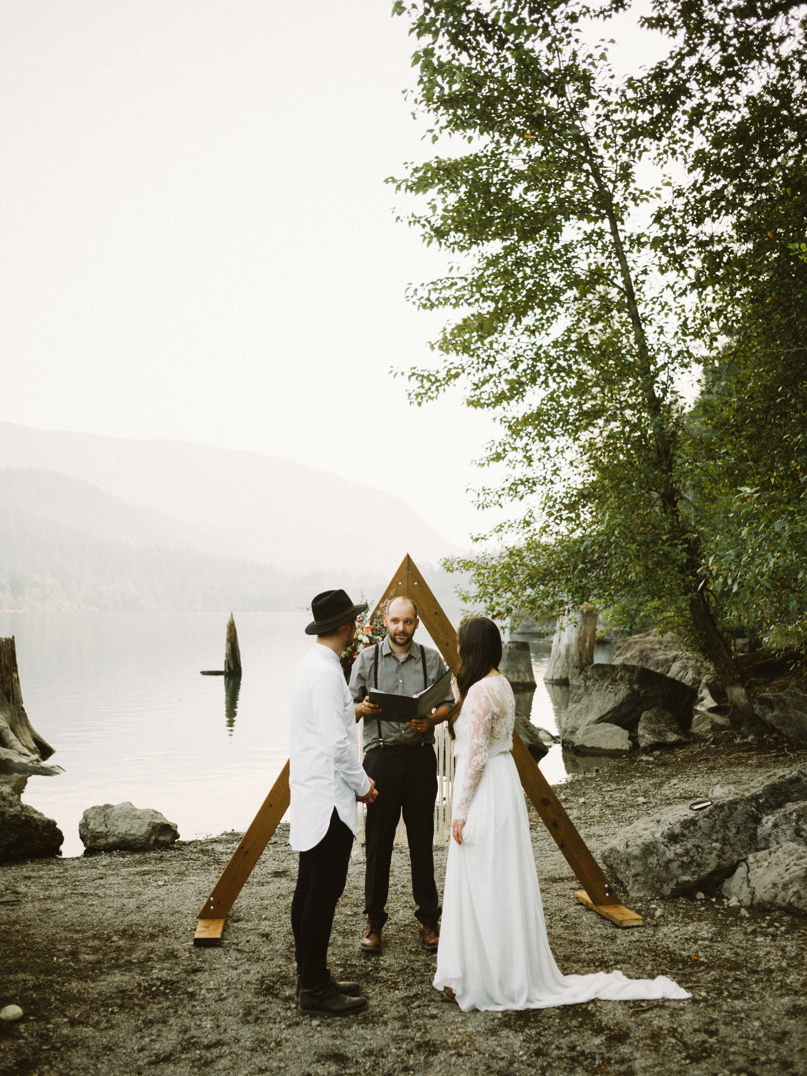 athena-and-camron-seattle-elopement-wedding-benj-haisch-rattlesnake-lake-christian-couple-goals59