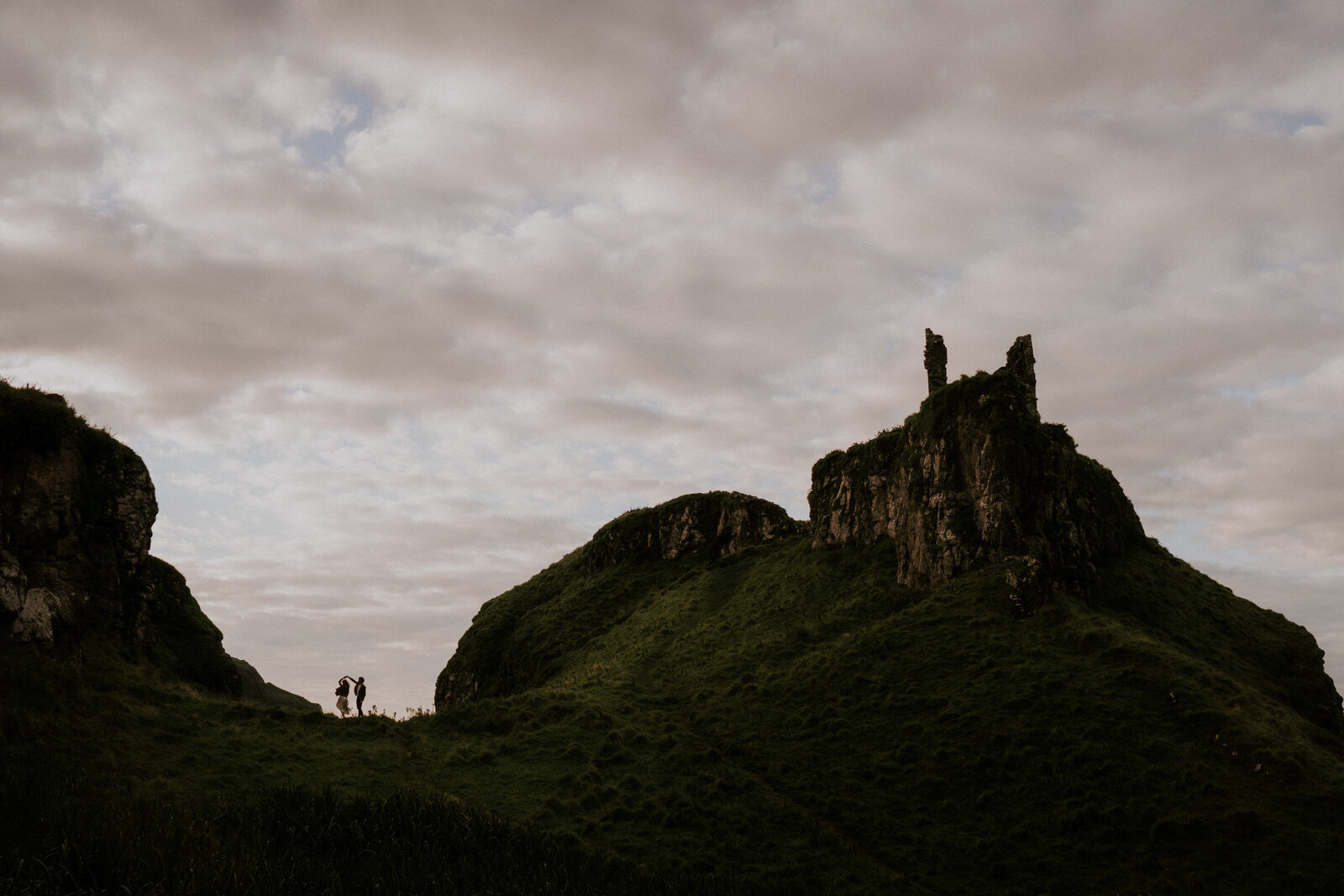 Northern-Ireland-Elopement-Photographer-Dunluce-Castle-009