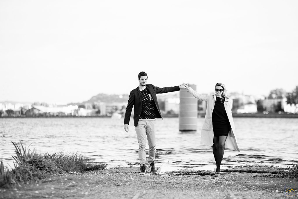 Amedezal-wedding-photographe-mariage-love-session-Lyon-couple-chic-Suisse-Brezil-main-dans-la-main
