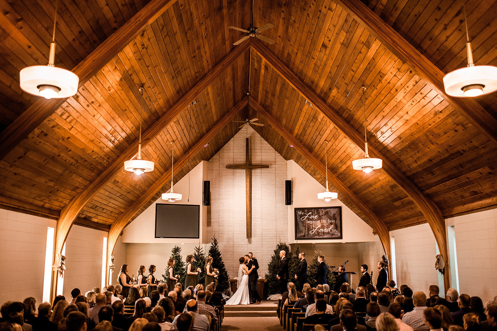 Des Moines Iowa church wedding ceremony.