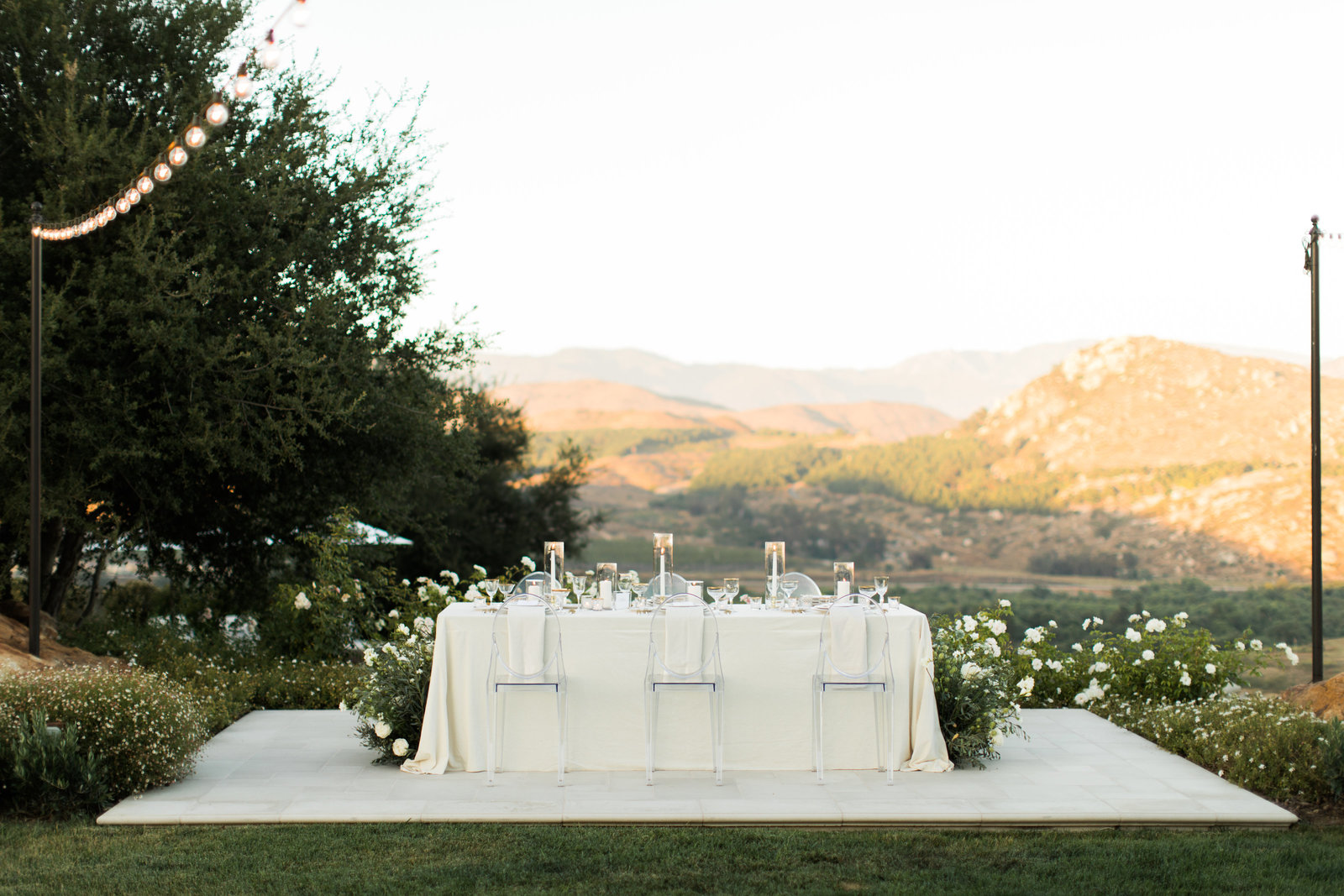 scenic outdoor wedding table