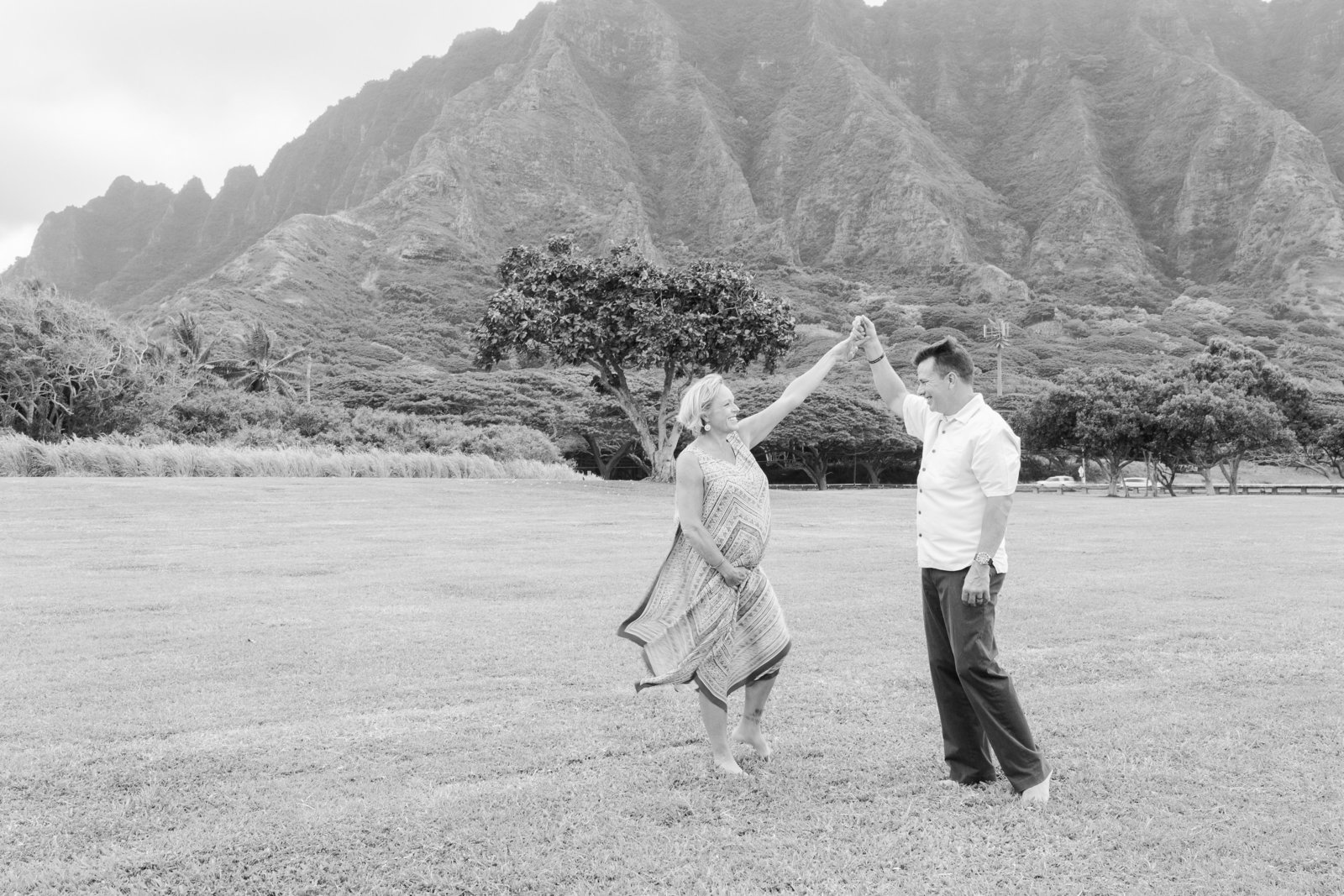 maternity Photoshoot Kualoa Beach Oahu Hawaii Brooke flanagan Photography-1