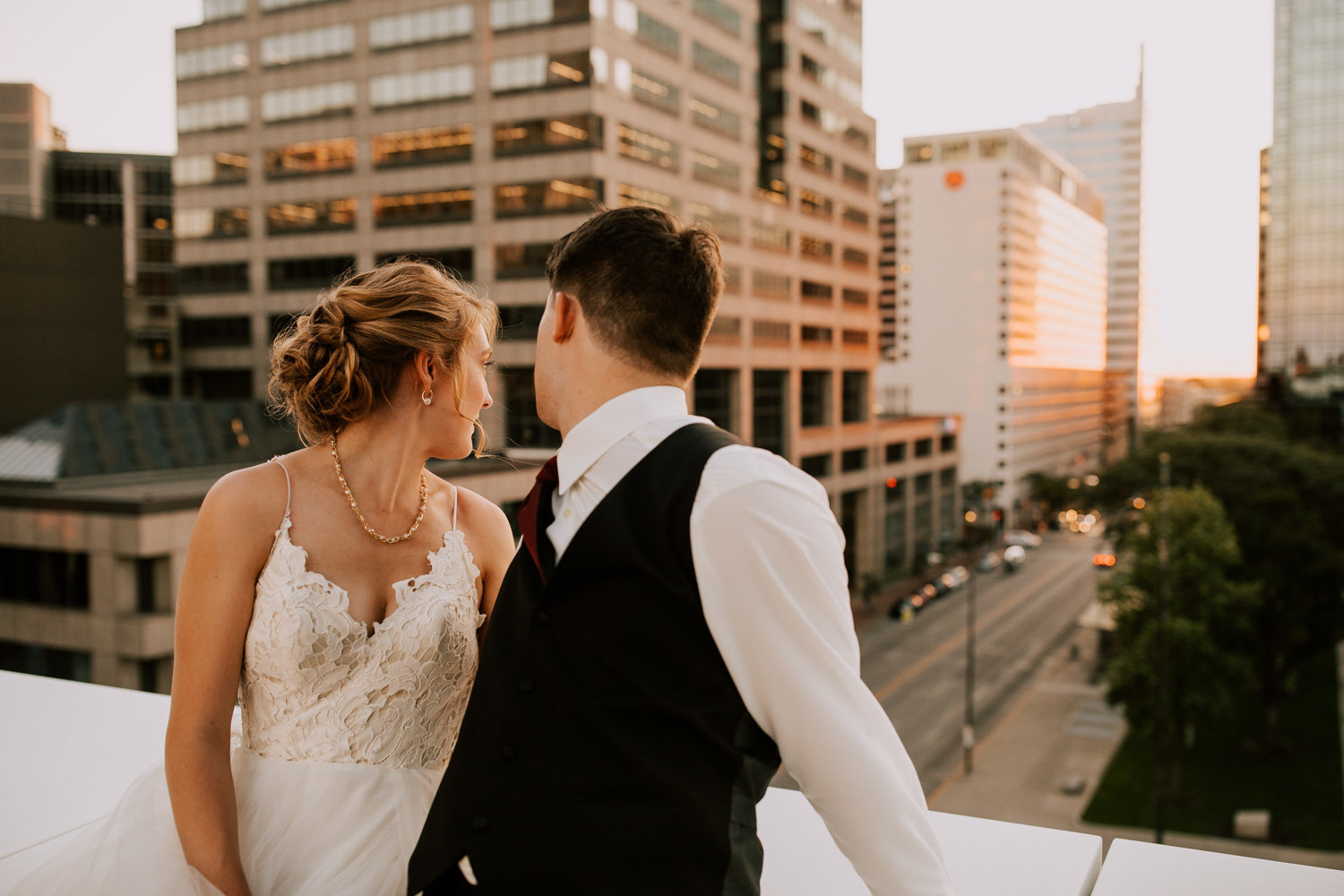 Rooftop-sunset-wedding-indianapolis-208