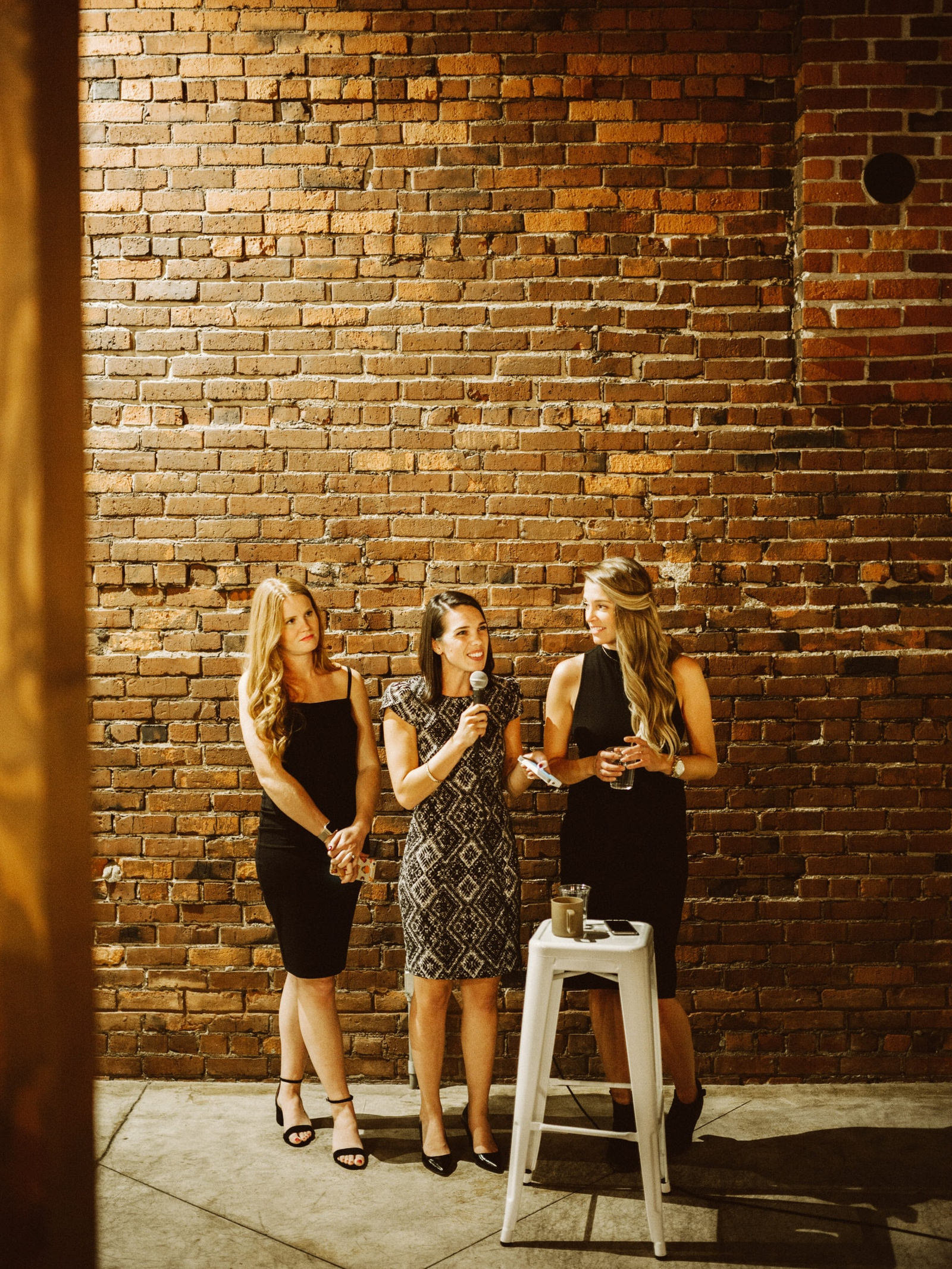 athena-and-camron-seattle-wedding-narrative-cafe-rustic-venue-benj-haisch43