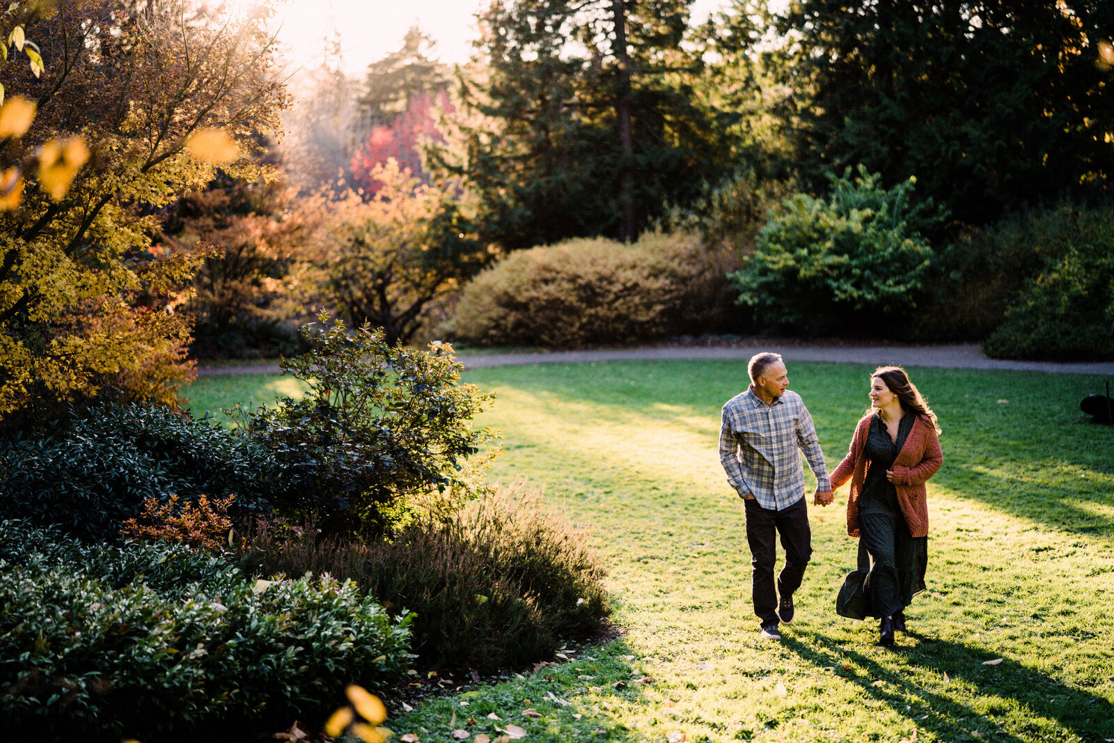 Big meadows at UW Arboretum, best spots for engagement photos in Seattle