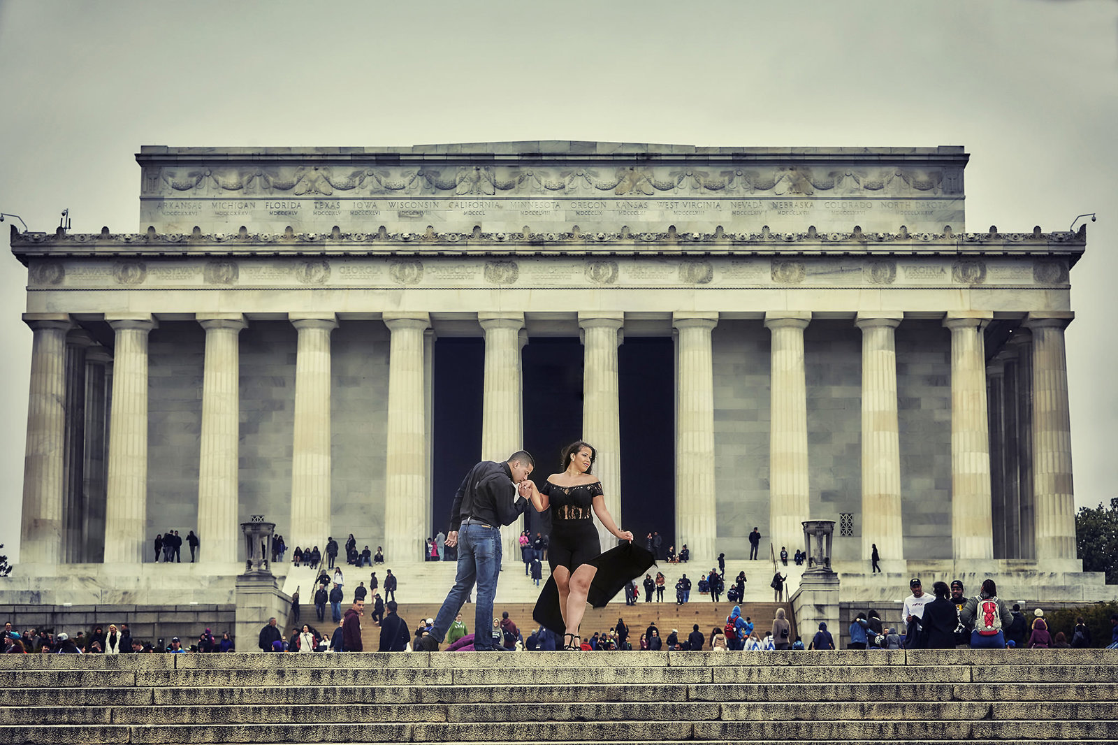 Couple in front of the lincoln memorial washington