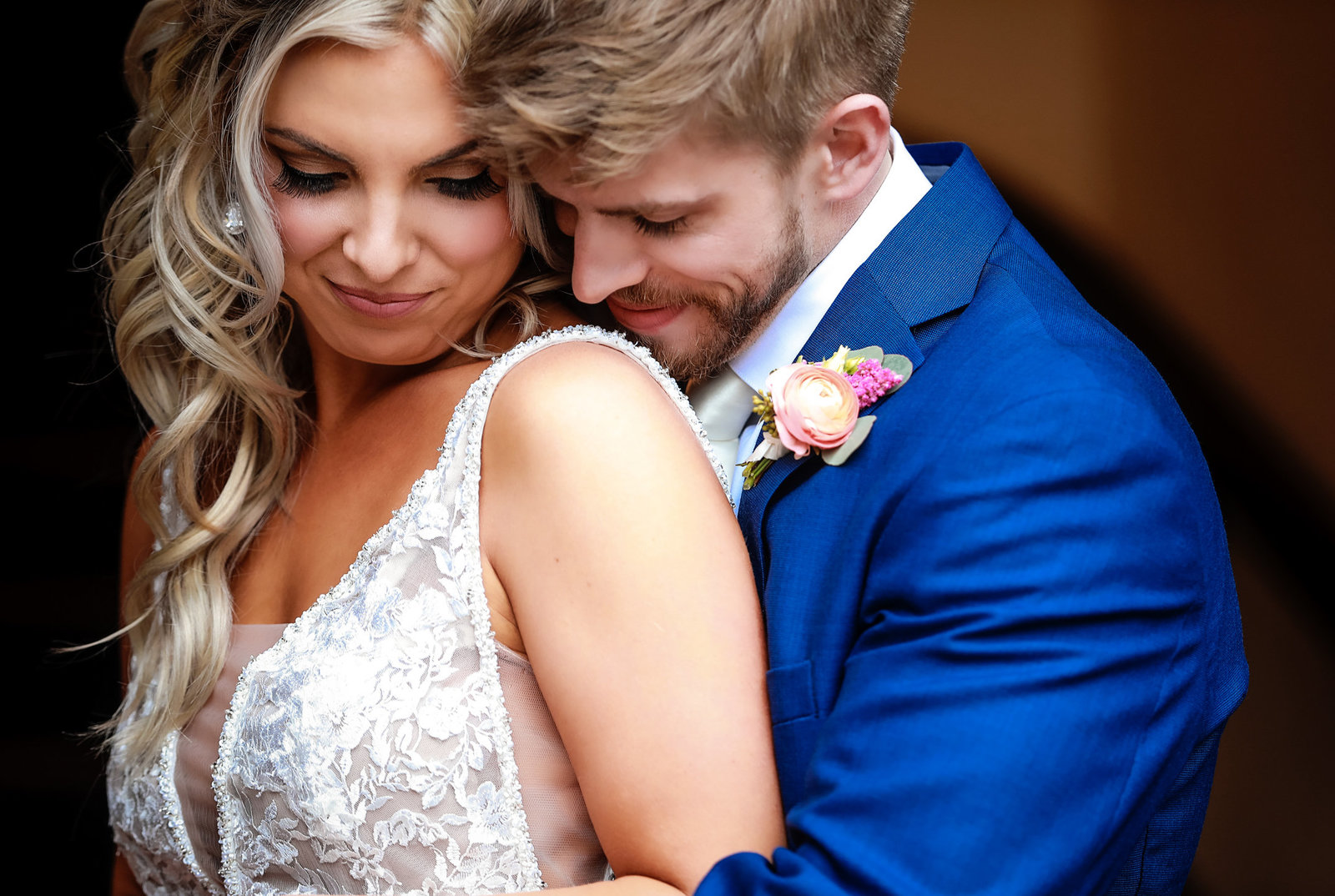 Sherri Barber is a Cincinnati Wedding Photographer who specializes in shooting both digital photography to create elegant and authentic wedding photography in Ohio, Kentucky, and worldwide
