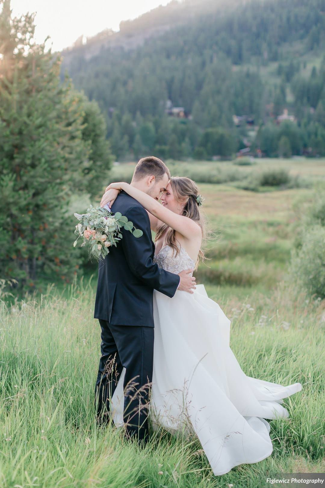 Garden_Tinsley_FiglewiczPhotography_LakeTahoeWeddingSquawValleyCreekTaylorBrendan00146_big