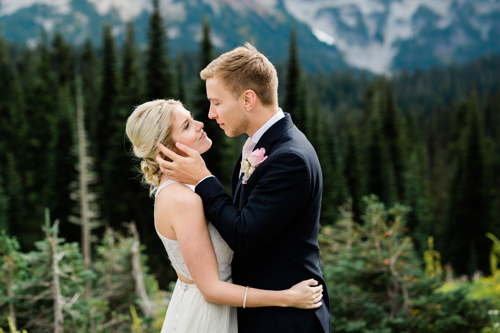 mount-rainier-national-park-elopement-cameron-zegers-photographer-seattle-142