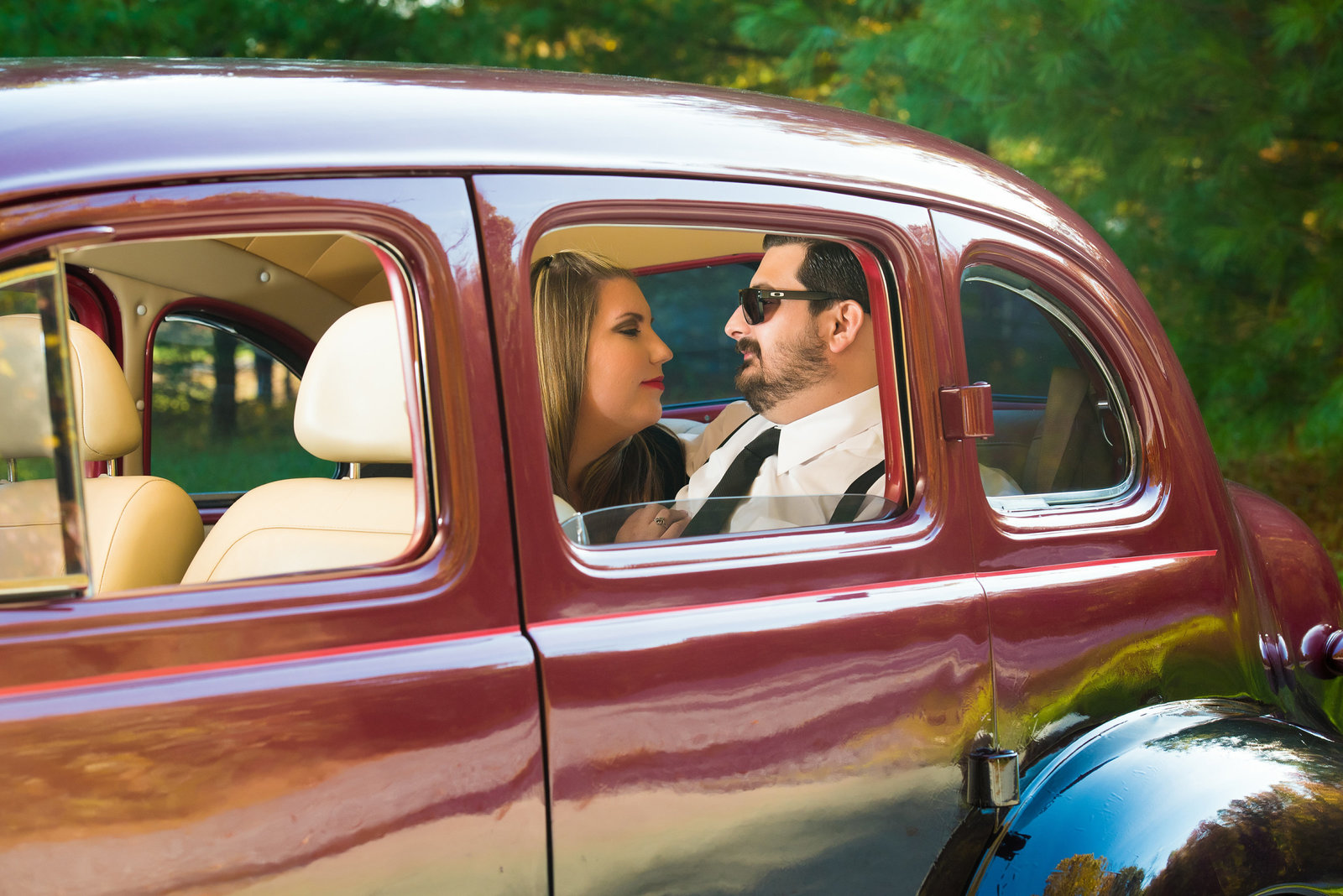 Retro_Pinup_Car_engagement_session_Nj030