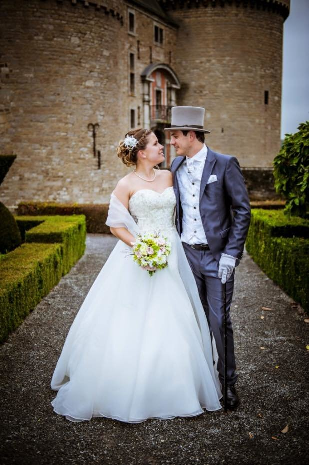 Bride Jessica wearing bespoke lace comb 1