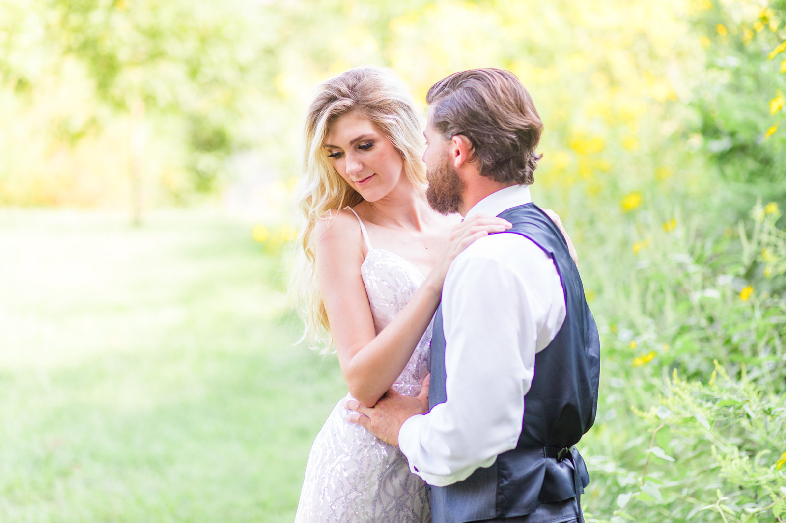 st-louis-wedding-photographer-belleville-alton-romantic-spring-outdoor-65