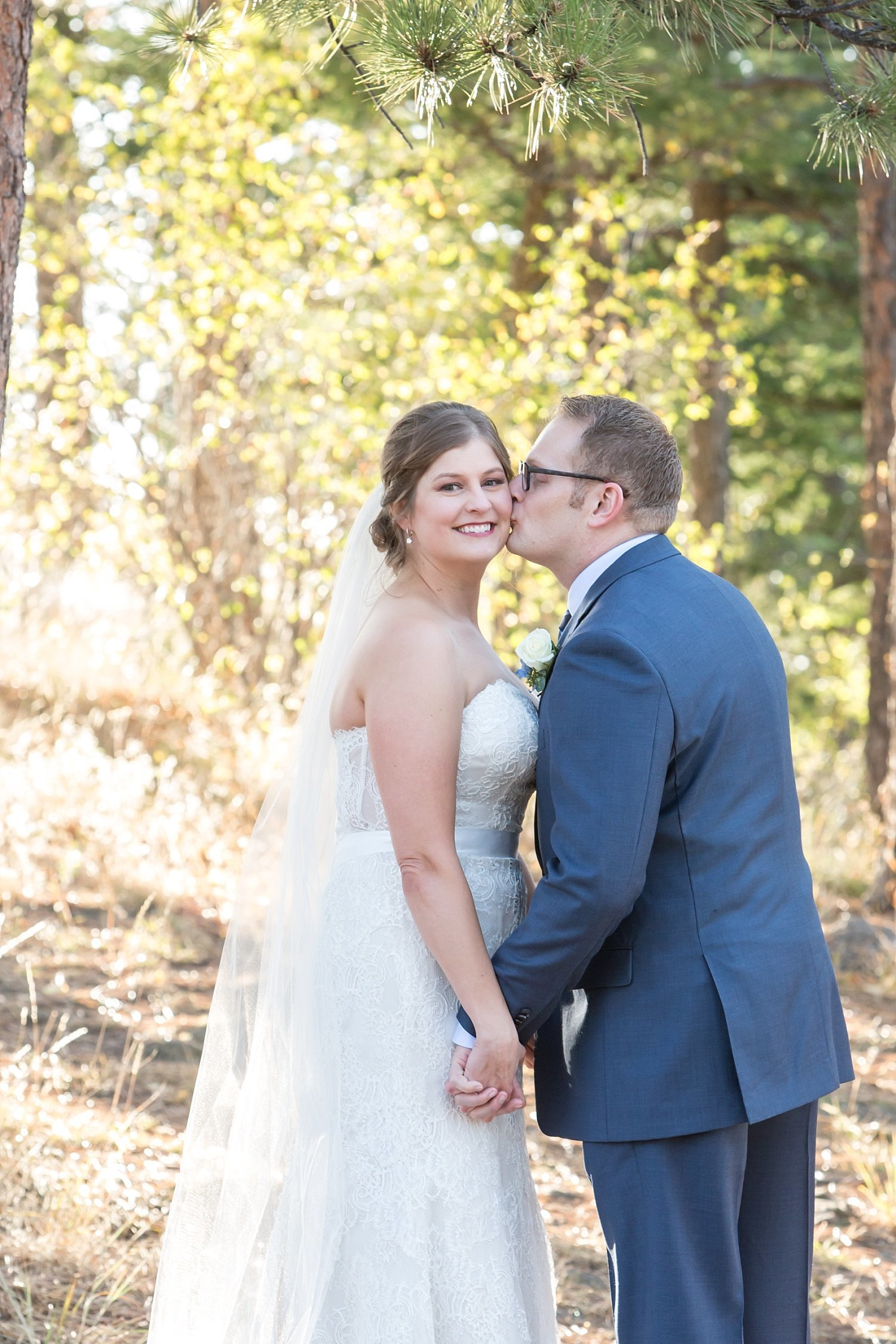 fall wedding in Colorado at lookout mountain