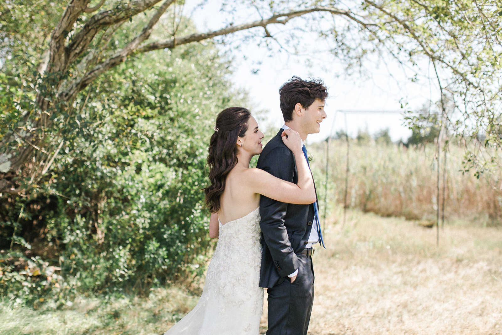 Saltwater Farm Vineyard Wedding_First Look 2
