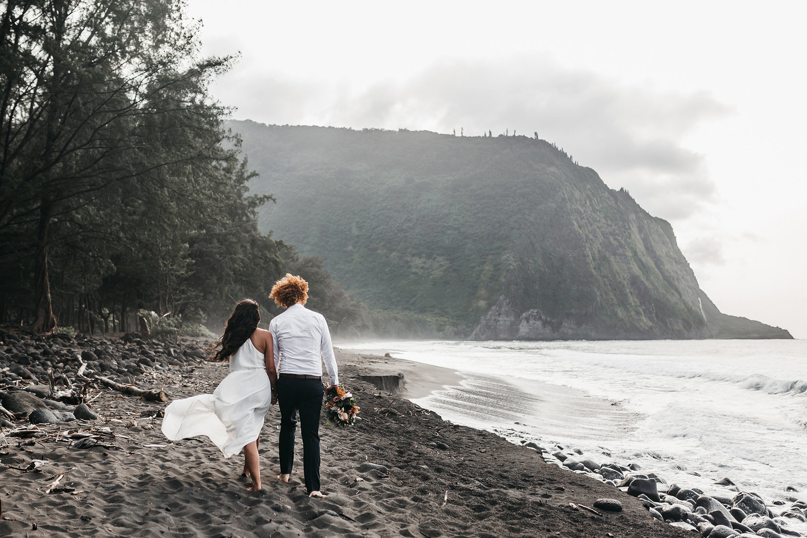 athena-and-camron-hawaii-black-sand-waipio-valley-wedding-elopement