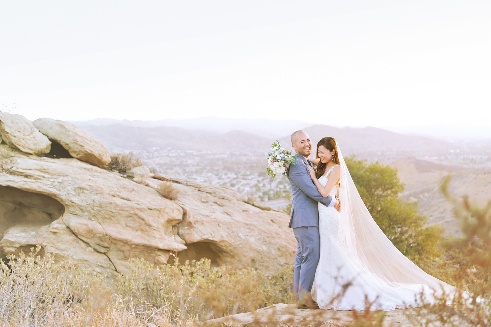Hummingbird-Nest-Ranch-Malibu-Wedding-Photographer-061
