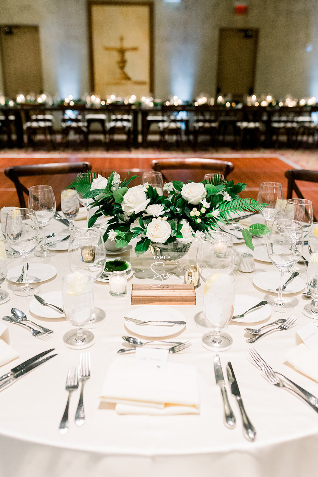 flowers-scottsdale-az-white-flower-centerpiece