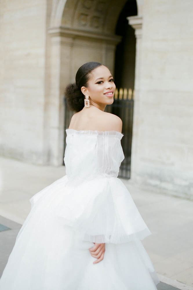 editorial-fashion-bridal-wedding-photo-louvre-musé-paris-france-gabriella-vanstern-7