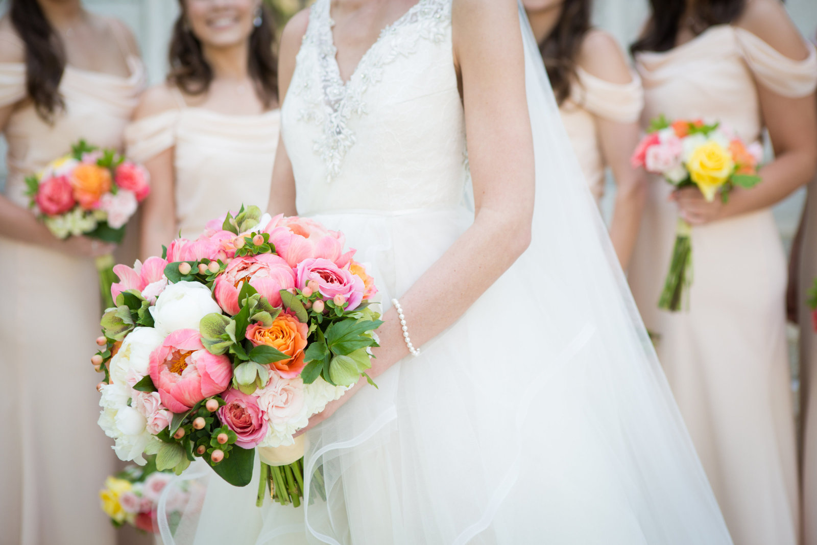 coral-and-peach-bridal-bouquet_27024852021_o