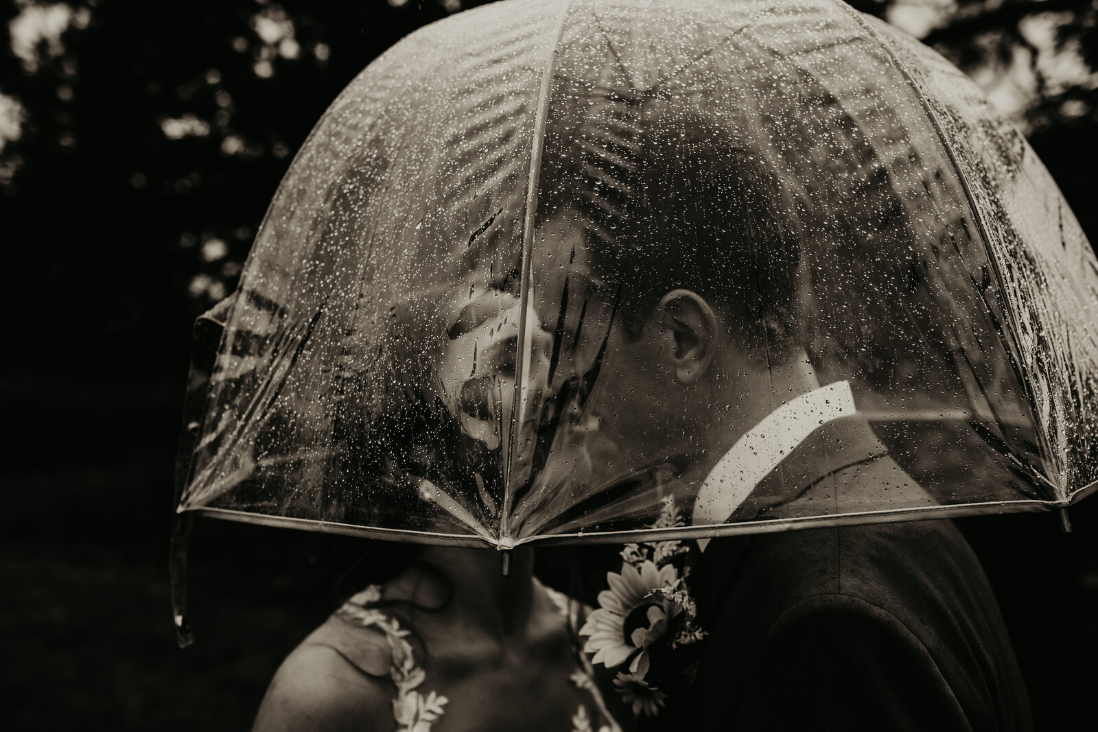 bride-groom-umbrella