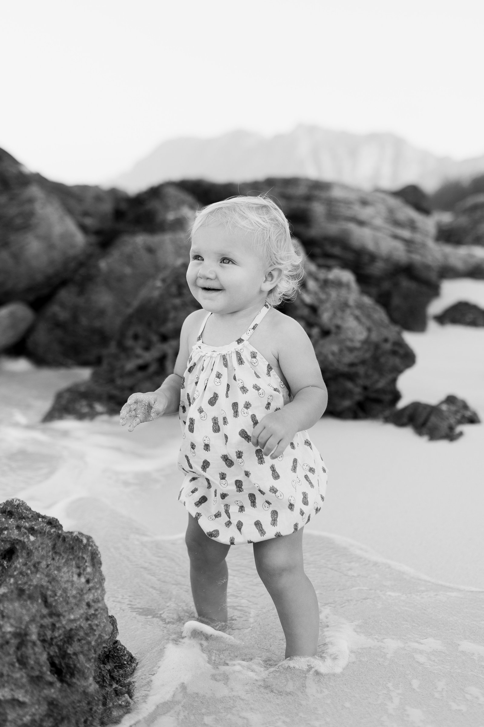 Oahu, Hawaii Lifestyle Photographer - Lifestyle Photography - Brooke Flanagan Photography - Little Girl by the Water