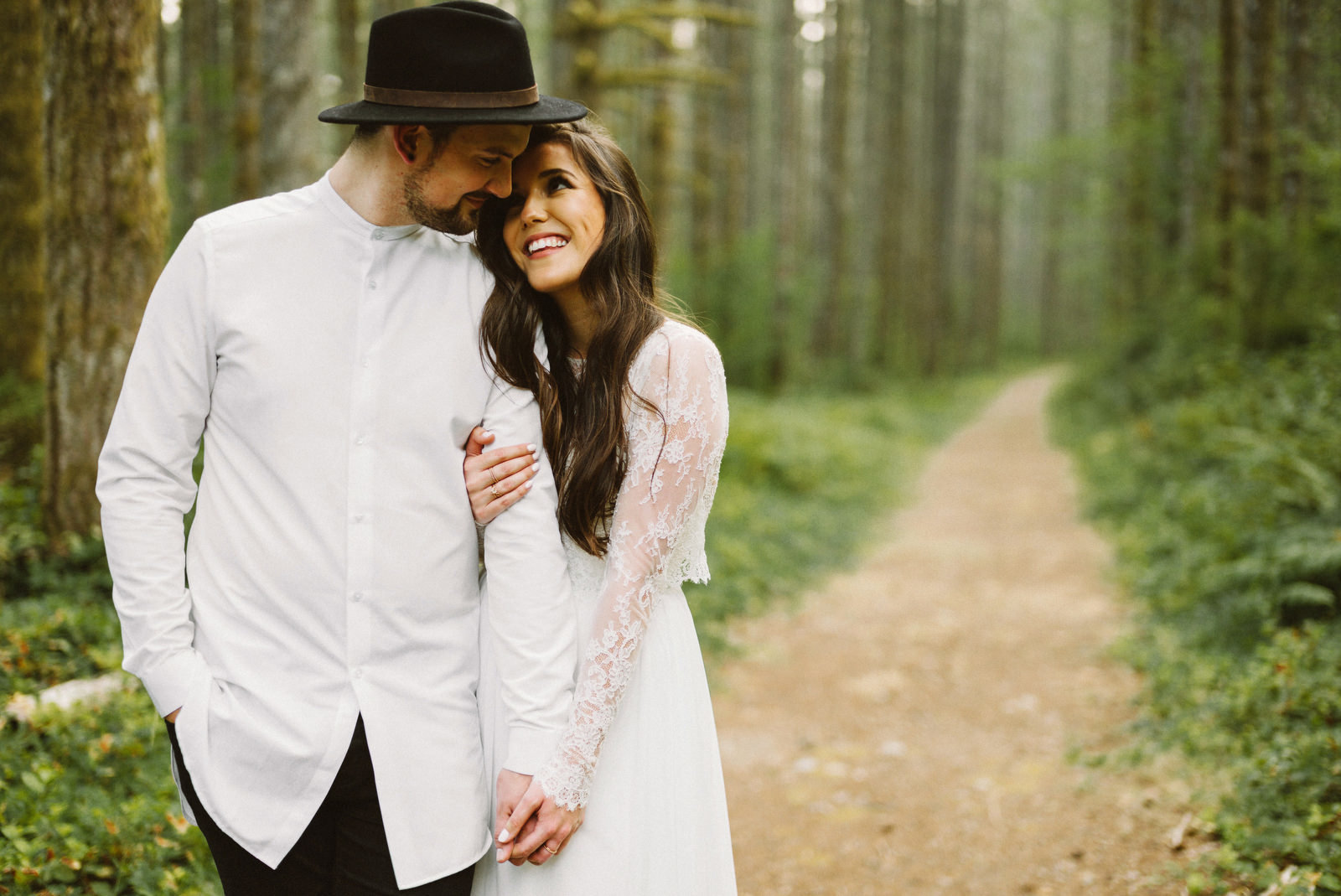 athena-and-camron-seattle-elopement-wedding-benj-haisch-rattlesnake-lake-christian-couple-goals19