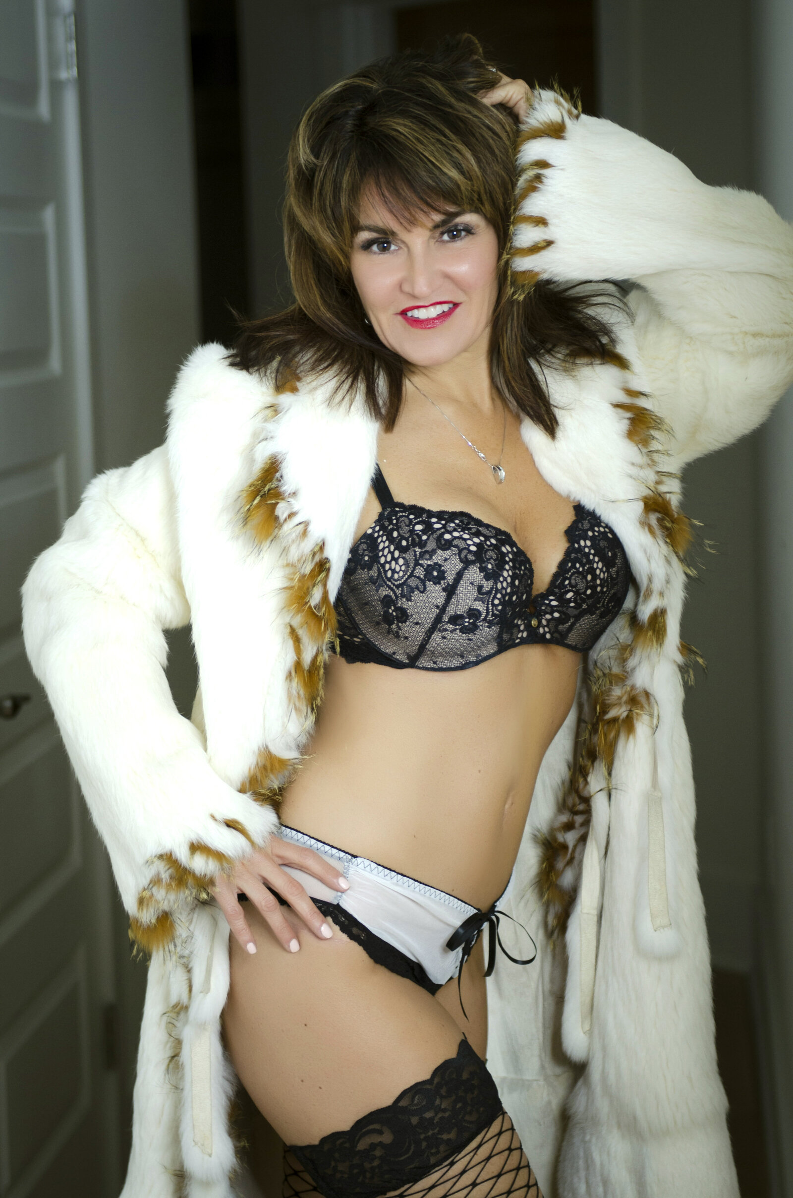 older woman boudoir photos032